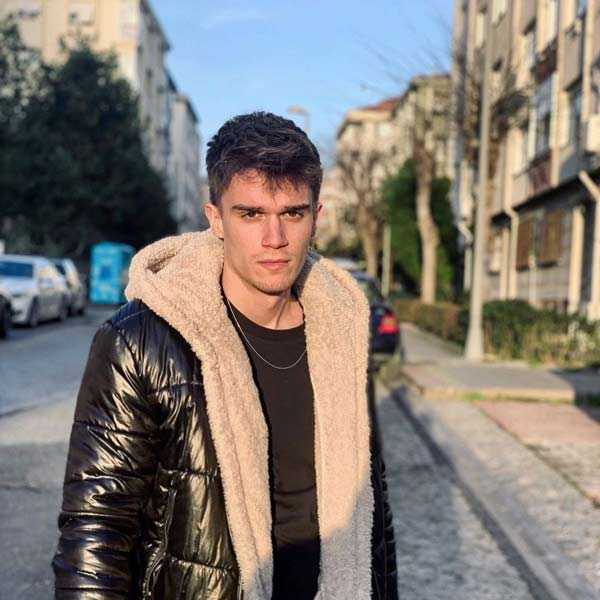 eren oren is Kaan in the turkish serie kardeslerim season 2