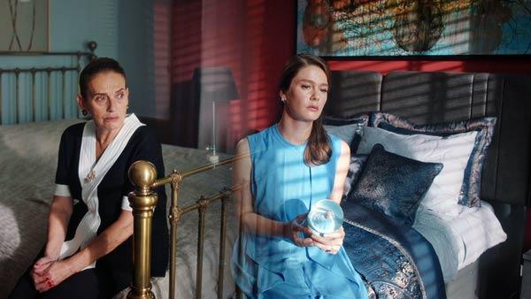 nalan and her mother in camdaki kiz season 2